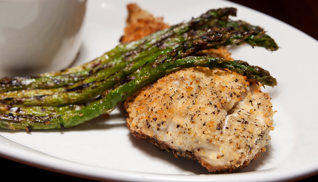 6 oWalleye Filet Picture -- Mallory's Restaurant & Rooftop Bar, © 2020